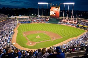 800px-Kauffman_Stadium_at_night,_2009